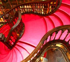 The Lello & Irmao Bookstore in Portugal: The 30 Best Places To Be If You Love Books Beautiful Architecture, Architecture Design, Wood Floor Pattern, Home Libraries, Shop Around, I Love Books, Stairways, Book Lovers, The Good Place