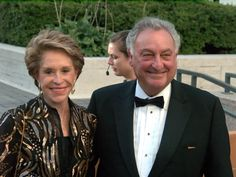 """Sanford I. """"Sandy"""" Weill  born March 16, 1933) is an American banker, financier and philanthropist. He is a former chief executive and chairman of Citigroup. He served in those positions from 1998 until October 1, 2003, and April 18, 2006, respectively. Net worth as of 2014 1 Billion"""