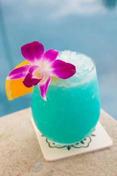 Fruity blue drinks win over bubbly on the Hawaiian #island of Maui.