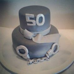 Bolo 50 Tons de Cinza - 50 Shades of Grey Cake