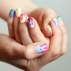 Wet paint nail art