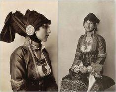 Regina mamă Elena, mama Regelui Mihai, născută Principesă a Greciei, în costum tradiţional grecesc. Headpiece, Princess Zelda, Costume, Romania, Castles, Royals, Jewels, Fictional Characters, Vintage