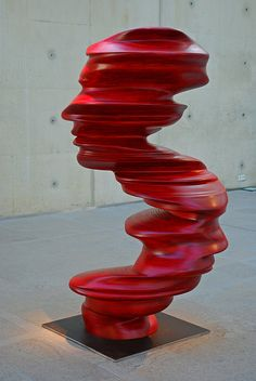 'Blushing profiles' Sculpture by Tony Cragg.