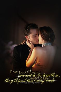 Ed Westwick and Leighton Meester as Chuck Bass and Blair Waldorf on 'Gossip Girl'. The two of them are most beautiful and I admire them. Gossip Girls, Mode Gossip Girl, Estilo Gossip Girl, Gossip Girl Chuck, Chuck Blair, Dan Humphrey, Nate Archibald, Ed Westwick, Leighton Meester