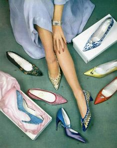 1959 Evening shoes: & 17 by Charles Jourdan; & 18 by Roger Vivier for Christian Dior; 10 & 12 by Durer, photo by Philippe Evening shoes: & 17 by Charles Jourdan; & 18 by Roger Vivier for Christian Dior; 10 & 12 by Durer, photo by Philippe Pottier. Mode Vintage, Vintage Shoes, Vintage Outfits, Vintage Gowns, Vintage Hair, Roger Vivier, 1950s Fashion, Vintage Fashion, Vintage Vogue