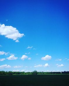 Blue skies smiling at me nothing but blue skies do I see.  #Minnesota #mn #instamn #onlyinmn #spooniesister #spoonies #skyporn #skylovers by jules708