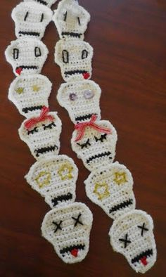 A look at the skull scarf I made for my niece Skull Scarf, Crochet Necklace, Diy, Jewelry, Build Your Own, Jewellery Making, Bricolage, Jewels, Jewlery