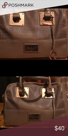 Marc New York handbag by Andrew Marc Marc New York handbag by Andrew Marc! The bag is in excellent condition! Bags Totes
