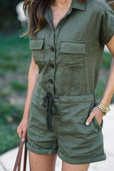 Utility Romper + Spring Earrings If you love utility jackets and rompers, give this utility romper a try! It's affordable, comfortable and the perfect Spring garment! SEE DETAILS. Casual Outfits, Cute Outfits, Fashion Outfits, Womens Fashion, Fashion 2016, Latest Fashion, Fashion Trends, London Fashion Weeks, New York Fashion