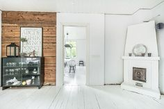 With up to 160 square meters of living space this beautifully renovated old house charms with its modern twist yet keeping the original vintage look. Home Decor Inspiration, Dream Floors, House, Little Log Cabin, Interior, Home Garden Design, Home, Interior Architecture, Log Homes