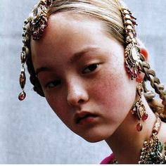 erytheis: 'Couture du Monde': Devon Aoki in Christian Dior Fall Winter 1999 Haute Couture; photographed by Ruven Afanador for Vogue Paris, September 1999 Dior Haute Couture, Christian Dior Couture, Christian Siriano, Devon Aoki, Vogue Paris, Beautiful One, Beautiful People, Style Indien, Freckle Face