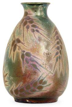 Lot : Clément MASSIER (1844-1917) Petit vase piriforme en faïence, décor d'épis de[...] | Dans la vente Arts Décoratifs du XXe Siècle (14h15) à Tajan
