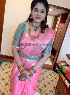 Embellished cut work design with Blouse belt! In frame gorgeous Saree Blouse & belt - Hair &… Wedding Saree Blouse Designs, Pattu Saree Blouse Designs, Half Saree Designs, Fancy Blouse Designs, Saree With Belt, Saree Belt, Lehanga Saree, Lehenga Blouse, Kanchipuram Saree