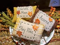 Fall Halloween, Halloween Crafts, Halloween Queen, Halloween Ideas, Fall Sewing Projects, Fall Pillows, Harvest Decorations, Autumn Decorating, Bowl Fillers