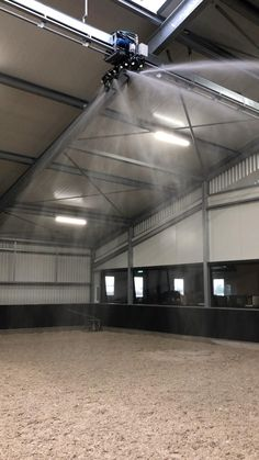 The Rain Train system is designed and built according to the highest norms and latest technological standards, where the safety and comfort for you and your horse come first. Dream Stables, Dream Barn, Luxury Horse Barns, Horse Barn Designs, Horse Arena, Horse Barn Plans, Indoor Arena, Big Horses, Train System