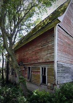 The Abandoned Big Barn - Minnesota