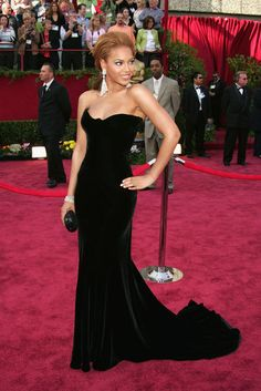 Beyonce Knowles in Versace Oscars 2005 - The Red Carpet Project - NYTimes.com
