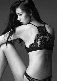 la perla / black lace racerback bra / lingerie : delicates