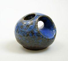 Vest keramiek / Keramik - Design van Woerden - Chimney Vase - FAT LAVA