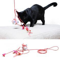 . design4paws . Snowflakes! . A premium quality handmade toy for your precious felines! www.design4paws.com/