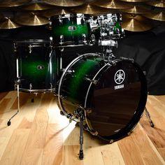 Yamaha Live Custom 10/12/16/22 4pc Kit Emerald Shadow Sunburst
