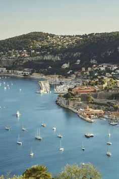 6 Must-See Spots in the French Riviera - Ah. The Cote d'Azur. Just hearing the name conjures up images of sparkling azure waters, star-studded film premiers, exclusive beach clubs bedecked with candy-colored sun loungers, and all the fabulous, moneyed types who've vacationed here over the years: Brigitte Bardot, Salvador Dalí, and Elizabeth Taylor to name a few. Given the region's abundance of scenery (natural and otherwise), the question becomes where to go and what to see first? To…