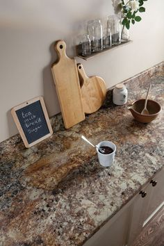 It's laminate. Golden Mascarello by Formica. A premium laminate with a large-scale pattern, taken from a real piece of granite. Formica Kitchen Countertops, Laminate Countertops, Kitchen Worktops, Kitchen Cabinets, Home Design, Design Ideas, Kitchen Decor, Kitchen Design, Kitchen Ideas