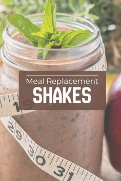 There are many kinds of meal replacement shakes: from meal replacement shakes for weight loss to meal replacement shakes for women! Find out which meal replacement shake is right for you! Healthy Meal Replacement Shakes, Meal Replacement Smoothies, Protein Shake Recipes, Smoothie Recipes, Protein Foods, Drink Recipes, Apple Smoothies, Breakfast Smoothies, Low Calorie Recipes