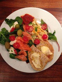 Salma-laks salat med mozarella