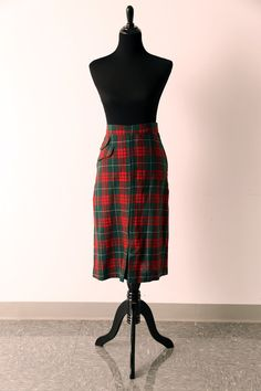 Vintage 1950s red and green plaid wool pencil skirt by piscesvintage, $35.00