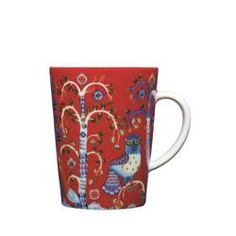 "iittala Taika Red Mug Enjoy a cup of coffee or a hot chocolate in the iittala Taika Red Mug. Meaning ""Magic"" in Finnish, the Taika pattern by Klaus Haapaniemi features fanciful foxes and ornate owls inhabiting a mysterious . Nordic Design, Scandinavian Design, Feng Shui, Hot Spiced Cider, Salon Shabby Chic, Red Mug, Joss And Main, Decorative Items, Tableware"