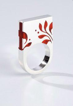 Ring | Klára Abaffy. Sterling and resin.