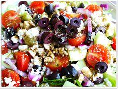 Sweet Little Bluebird: Greek Salad and Naan Greek Pizza