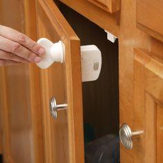 Safety 1st Magnetic Cabinet Locks, 8 Locks + 1 Key Safety...