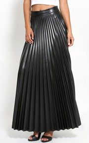 Leatherette Pleated Maxi Skirt #MMC Style #MMCSweepStakes