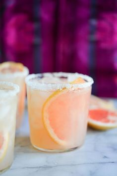 These easy pitcher palomas make for the perfect refreshing tequila cocktail! If you are looking for an easy Paleo cocktail, or a simple pitcher cocktail to serve at parties, these palomas are the perfect solution. Sparkling water is combined with fresh gr Limoncello Cocktails, Cocktail Vodka, Paloma Cocktail, Cocktail Shaker, Cocktail Movie, Irish Cream, Pina Colada, Pitcher Drinks, Cocktail Recipes Pitcher