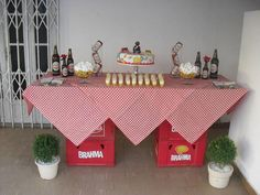 ideias em casa festa boteco                                                                                                                                                                                 Mais 50th Birthday Party, Man Birthday, Happy Birthday, Italian Party, Diy Shower, Its My Bday, Table Arrangements, House Party, Holidays And Events