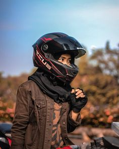 Image may contain: one or more people, sky and outdoor Bike Pic, Drag Bike, Photography Poses For Men, Photography Editing, Lady Biker, Biker Girl, Aesthetic Photography Grunge, Bike Photoshoot, Persian Girls