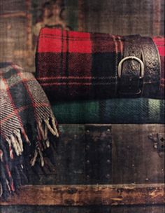 Classic tartan throws for winter house decor Tartan Throws, Tartan Kilt, Wool Throws, English Country Style, Country Life, Scottish Tartans, Wool Blanket, Tweed, Autumn