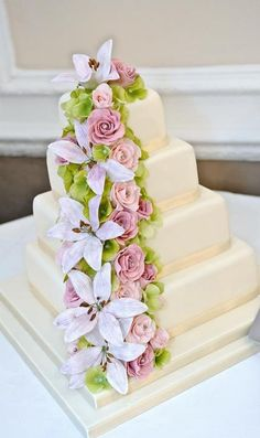Would of loved this as my wedding cake!!!