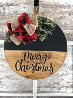 Christmas Signs Wood, Christmas Crafts For Gifts, Christmas Ribbon, Christmas Projects, Christmas Diy, Christmas Wreaths, Christmas Door Hangers, Diy Christmas Door Decorations, Christmas Yard Art
