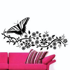 Borboleta Floral 01 em vinil autocolante decorativo. Aplique esta imagem em qualquer superfície lisa (paredes, portas, janelas, mobílias, chuveiro de casa de banho, etc.) e decore a casa a seu gosto. Disponível em 3 tamanhos para que se adapte na perfeição no local desejado. Pudera solicitar a inversão da imagem se pretender.