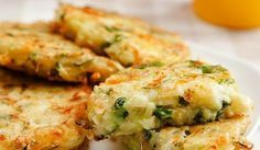 Cutlets from zucchini Other Recipes, Veggie Recipes, Diet Recipes, Vegetarian Recipes, Cooking Recipes, Health Recipes, Veggie Food, Healthy Brekfast, Zucchini Patties