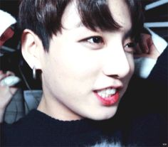 ❥Donde Jungkook odia relacionarse con la gente, y Taehyung ama hablar… #fanfic # Fanfic # amreading # books # wattpad