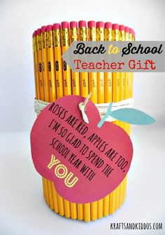 Back to School Teacher Gift from Krafts and Kiddos #jugglingactmama #backtoschool #contributor #teachergifts #teacherappreciation #diygifts #printable http://jugglingactmama.com/2014/08/back-to-school-teacher-gift.html