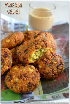 Masala Vada recipe or Paruppu Vadai or chana dal vada - famous South Indian fitters and savory snacks Pakora Recipes, Veg Recipes, Indian Food Recipes, Vegetarian Recipes, Snack Recipes, Cooking Recipes, Cooking Tips, Curry Recipes, Indian Appetizers