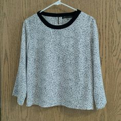 Black and White Blouse 3/4 sleeve, light weight blouse Tops Blouses