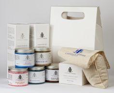 Castilla Termal ofrece una amplia gama de productos cosméticos que puede adquirir en nuestros Hoteles o en nuestra web. Cofre Castilla Termal.   Elige mínimo tres de nuestro productos y nosotros los preparamos para regalo en un cofre.