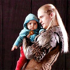 (gif) Orlando and his son Flynn BTS of BOTFA extended edition...I thought this…