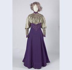 Liberty & Co walking ensemble 1906-1907